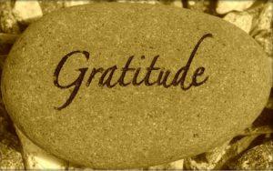 La gratitude gravée sur un roc